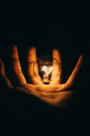 Jak oszczędzać na budowie domu? Poznaj taryfę budowlaną na prąd!
