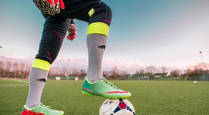 Czy warto i jak zachęcić dziecko do gry w piłkę nożną