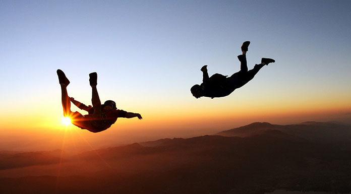 Kiedy można skoczyć ze spadochronem bez instruktora?